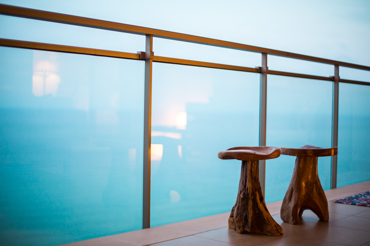 Decoracion terrazas de apartamentos de vacaciones taburete